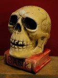 1950'S〜 SKULL ON BOOK BANK ヴィンテージ陶器製スカル骸骨貯金箱2