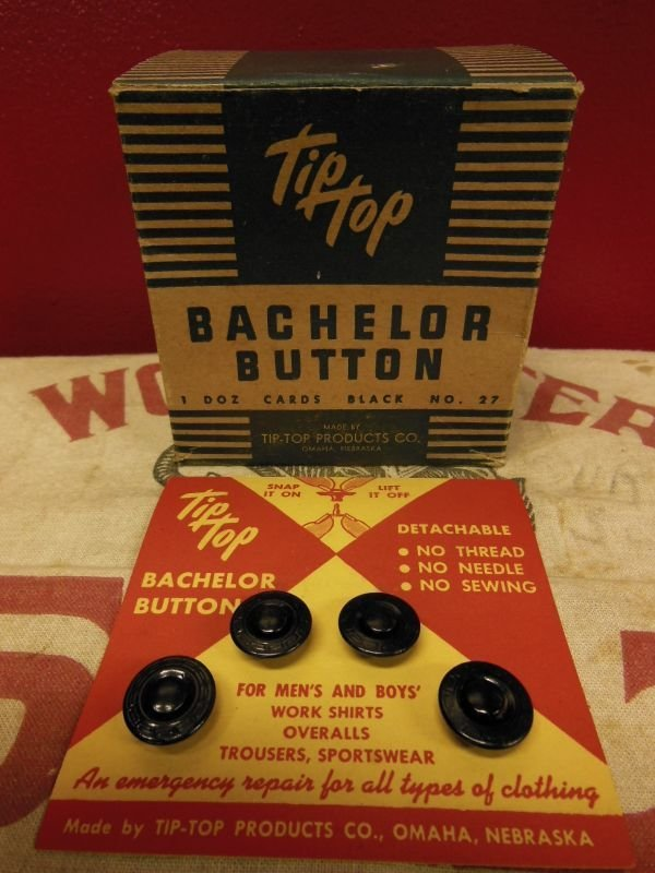 画像1: 1940'S〜 NOS TIP TOP BUCHELOR DETACHABLE BUTTONS ON CARD