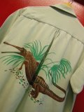 1940'S BRENTWOOD PALE GREEN ALLIGATOR BACK PANEL PRINTED RAYON SHIRT SZ/LARGE