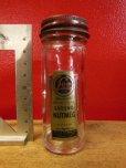 画像2: H.D. LEE NUTMEG GLASS SPICE BOTTLE / リー MERCANTILE ハウスマーク ロングL (2)